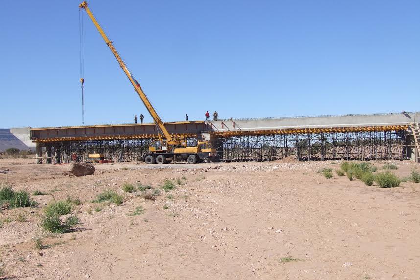 الشروع في  بناء أربع قناطر كبرى على وادي درعة باقليم زاكورة بغلاف مالي يفوق 7 ملايير سنتيما