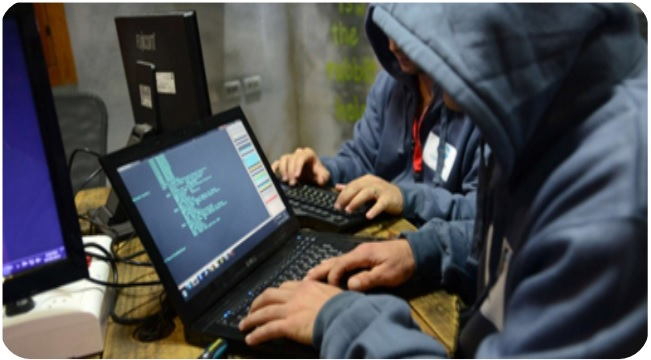 الحملة الوطنية لمكافحة الجرائم المعلوماتية بقلعة مكونة