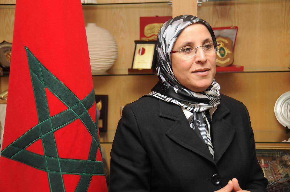 توزيع المال علي جمعيات تابعة للحزب الحاكم حملة انتخابية قبل أوانها