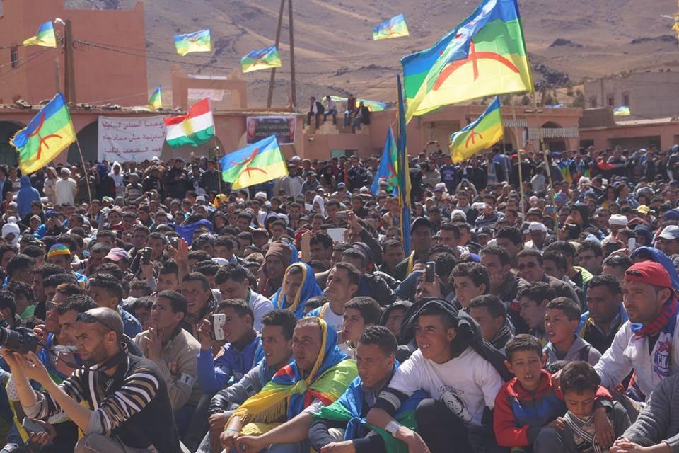 """تنغير: الآلاف يشاركون في حفل تأبين """"عمر خالق"""" بأكنيون"""