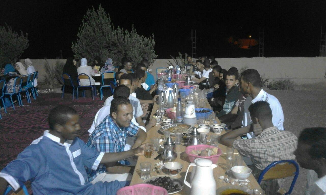 أكدز: جمعية تمنوكالت تنظم عملية إفطار الصائم لفائدة تلاميذ أفرا