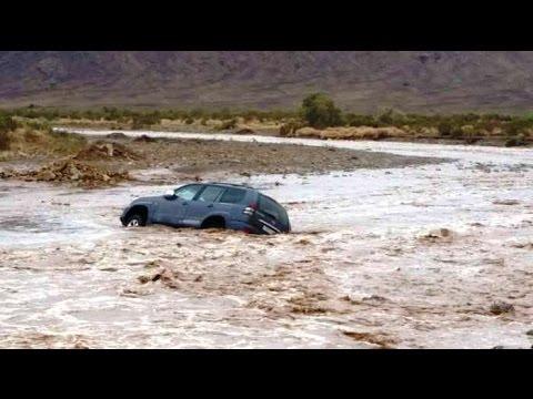 بالفيديو … فيضان واد النيف يجرف سيارة رباعية الدفع