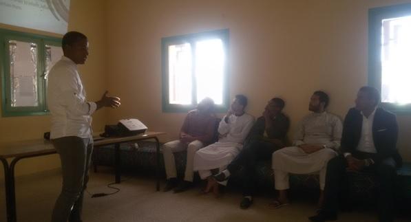 عرضا حول فن المناظرة و الالقاء امام الجمهور بمؤسسة عثمان بن عفان