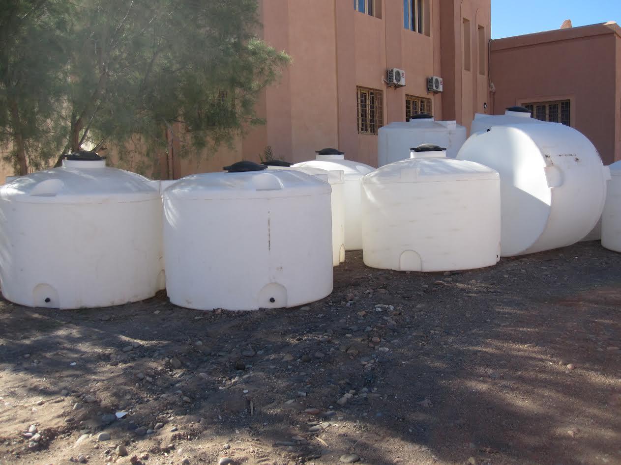 تزويد مؤسسات تعليمية بزاكورة بصهاريج الماء الشروب