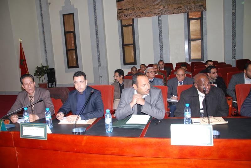 يوم دراسي حول دور التخطيط في انجاز برنامج تنمية الاقليم جمع العامل برؤساء الجماعات وبرلمانيي زاكورة-1