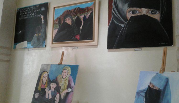 لوحات الفنان التشكيلي عبد الله أوشاكور تكريم للمراة والهوية والتراث