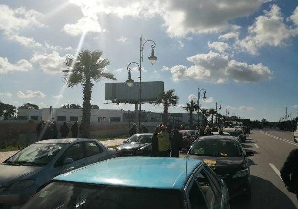 مسيرة احتجاجية بالسيارات تصل إلى طنجة للتأكيد على غضب النقابات من الحكومة