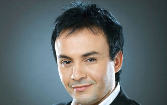 عاجل : الفنان حاتم إدار ينجو من حادثة سير مميتة