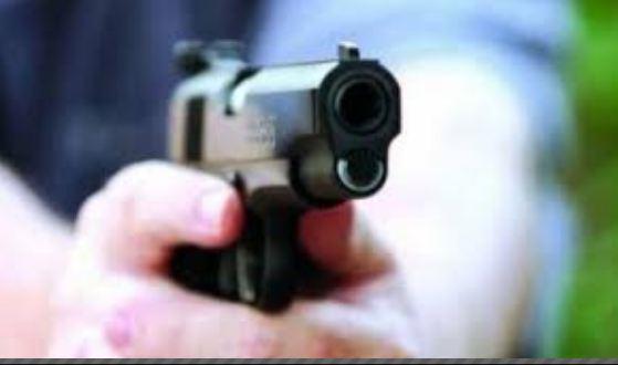 شرطيان يضطران لاستخدام سلاحهما الوظيفي لتوقيف أحد المجرمين بمدينة العرائش