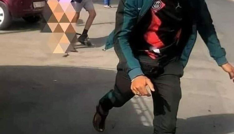 """توقيف الشاب الذي صور """"فيديو"""" قاصر يُجرد فتاة من ملابسها و تحرش بها في الشارع العام بطنجة"""