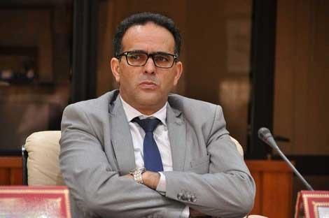 محمد الغلوسي يحتج على صرف منحة المغادرة للوزراء