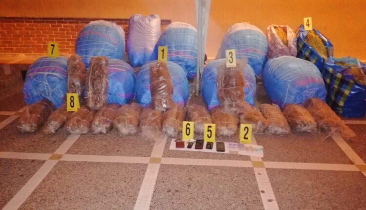 """ما يُناهز نصف طن من """"الكيف"""" يقُود شابين لدائرة الشرطة بأولاد تايمة"""