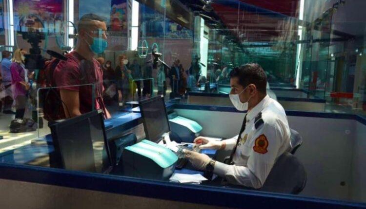 """توقيف فرنسي في مطار كازا مبحوث عنه من طرف """"الانتربول"""" في قضية كوكايين"""